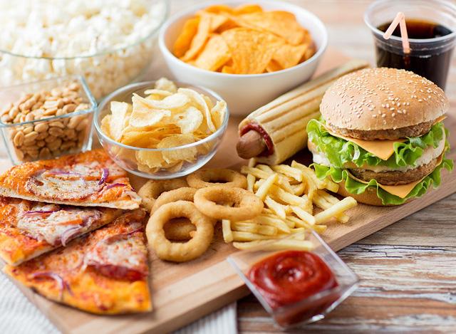 bị thoát vị đĩa đệm không nên ăn gì?